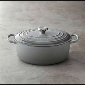 French grey 7.25 quart oval Le Creuset Dutch oven